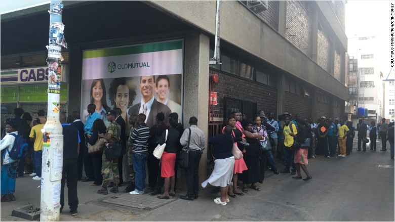 zimbabwe-bank-line-queue-bank-run